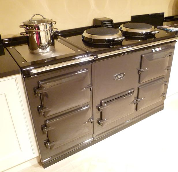 4 oven fully reconditioned natural gas or lpg fired aga. Black Bedroom Furniture Sets. Home Design Ideas